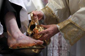Celebrazione Lavanda dei piedi ed Accoglienza Oli Santi per ragazzi @ Basilica san Vittore  | Varese | Lombardia | Italia
